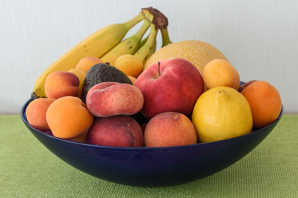 https://pixabay.com/photos/fruit-bowl-fruit-basket-fruit-1517740/
